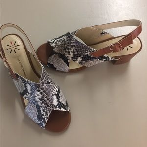 Isaacmizrahi Live leather snake print heels 8M